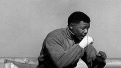 Nelson Mandela practica boxeo (Foto: Twitter)
