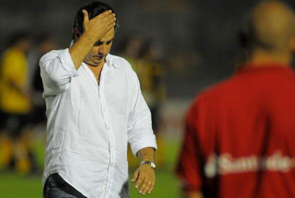 Jorge 'Polilla' Da Silva, técnico de Godoy Cruz, además de ser uruguayo,...