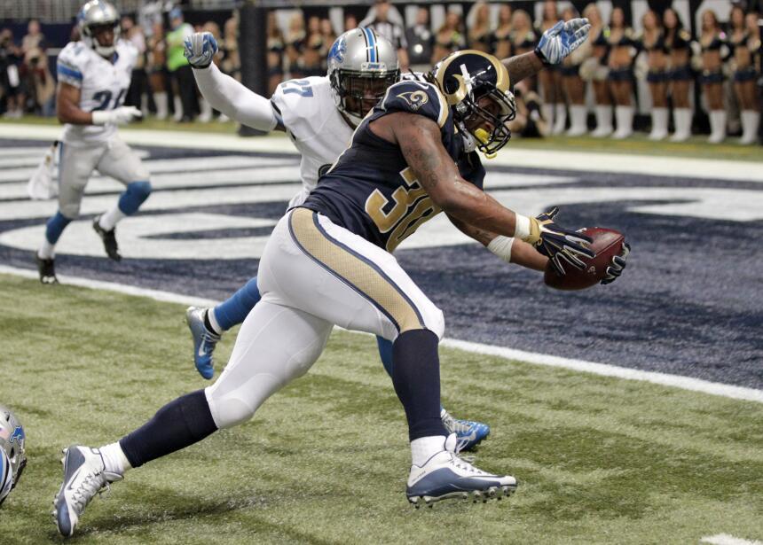 Los St. Louis Rams le ganaron 21-14 a los Detroit Lions con gran actuaci...