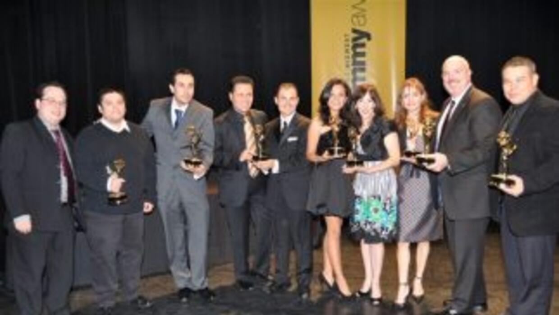 El equipo de Univision Chicago celebrando durante la entrega de los prem...