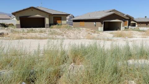 Un complejo de viviendas abandonadas en Las Vegas, durante la crisis hip...