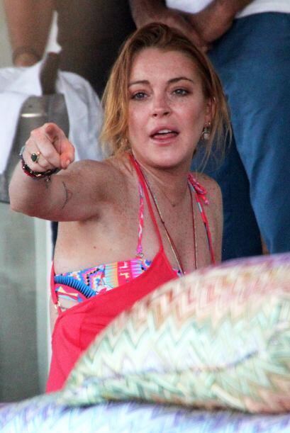 """Aunque Lindsay Lohan está oficialmente """"soltera"""", a últimas fechas se la..."""