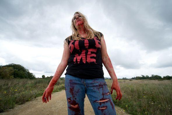 Obviamante los zombis, tal como en un ataque de película, fueron implaca...