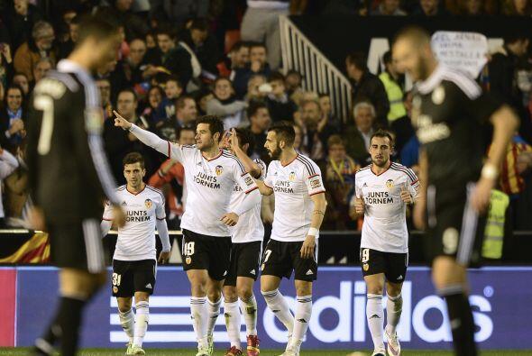 Nicolás Otamendi marcaría el segundo para el Valencia al minuto 65 volvi...