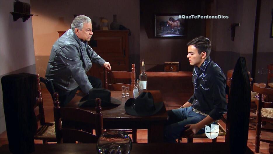 Fausto ya tiene bajo amenaza al padre Tomás