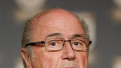 Blatter tuvo declaraciones desafortunadas pretendiendo ser simpático.
