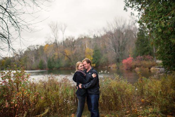 Después de que el novio se decidiera a su romántica propuestas, la novia...