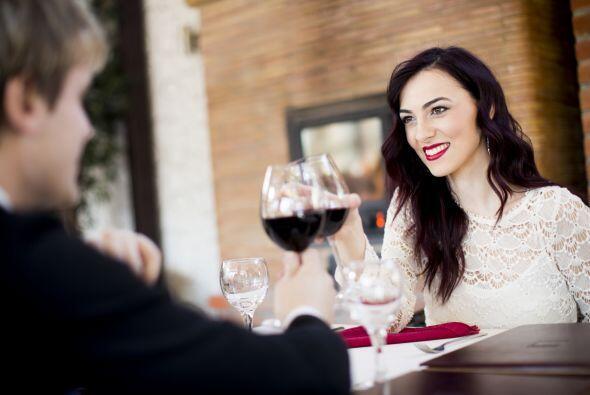 El vino y el platillo deben ser socios. Al equilibrar el peso entre ambo...