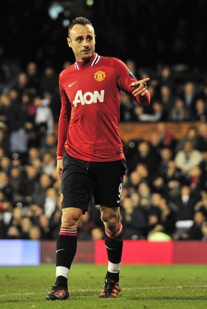 El quinto gol llegó y el United goleó para seguir la estela del Manchest...