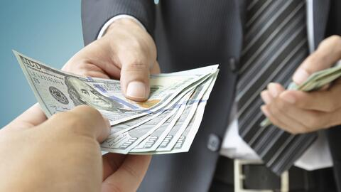 Consejos para evitar convertirse en el 'banco familiar'