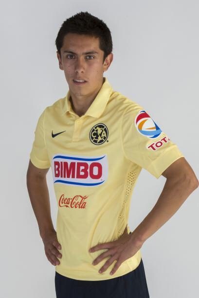 El también estratega uruguayo Gustavo Matosas debutó a Francisco Rivera...