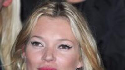 Kate Moss y Jamie  Hince unieron sus vidas por fin, mediante una ceremon...