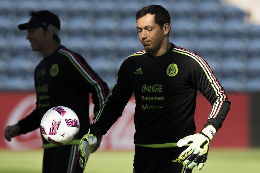 Rodolfo Cota (Chivas de Guadalajara) - Portero