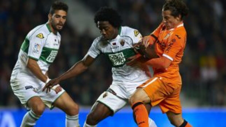 Andrés Guardado vio acción en la última derrota del Valencia, esta vez e...
