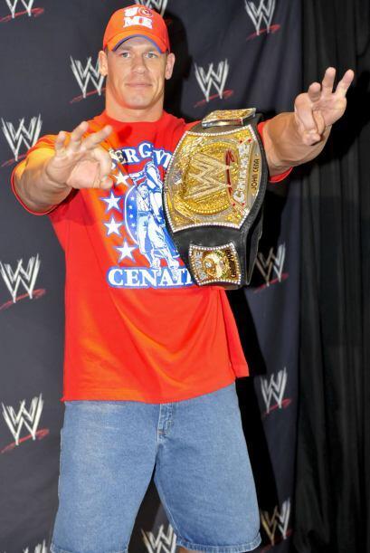 The Marine fue retado por Alberto del Río por el Campeonato de la WWE. ¡...