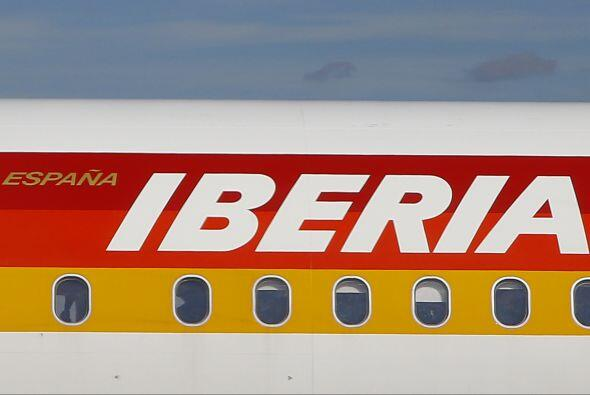 IBERIA- La aerolínea despedirá a seis mil trabajadores con el objetivo d...