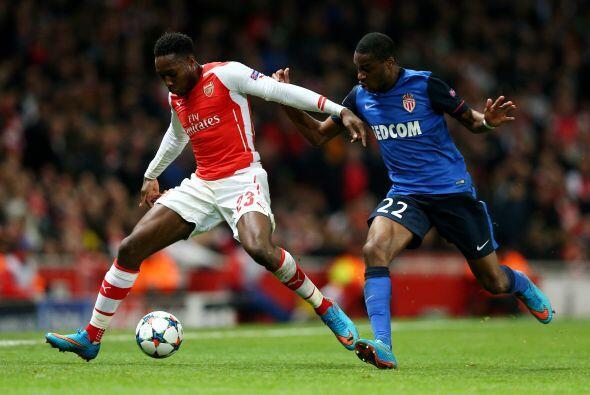 El partido en el Emirates Stadium comenzó con un Arsenal propositivo y a...