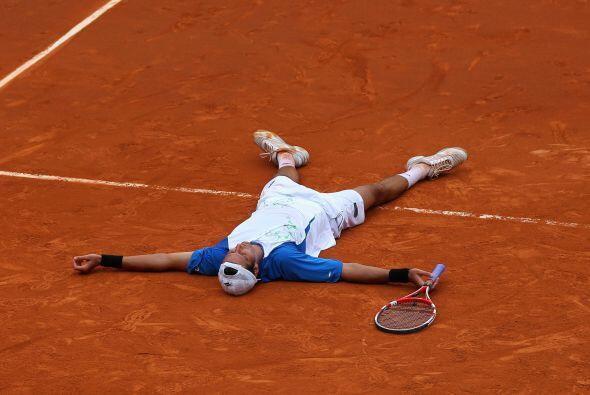 En duelo latino, el argentino Juan Ignacio Chela venció 4-6, 6-2, 1-6, 7...