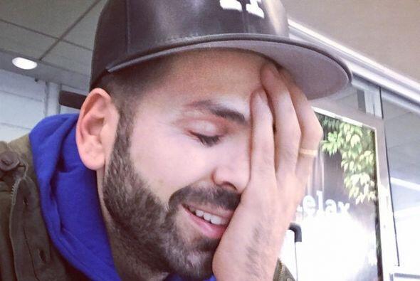 Nuestro querido Jomari Goyso ama las 'selfies'. Nos preguntamos ¿en qué...