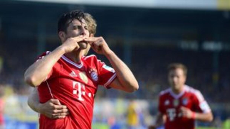 Claudio Pizarro le hizo dos al Werder Bremen en la goleada del Bayern de...