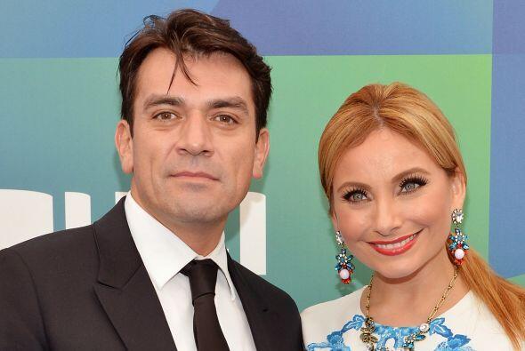 Jorge Salinas y Elizabeth Álvarez no tienen mucho de ser marido y mujer.