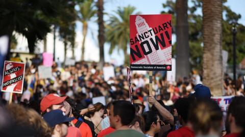California como 'estado santuario' para proteger a los  indocumentados.