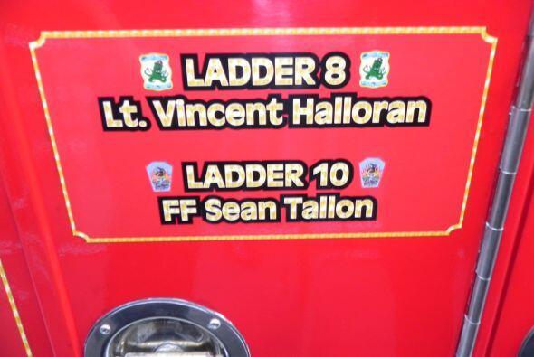Carro bombero recuerda a sus caídos el 9/11 ec84b55ddfbd4ad39ca8b260d716...