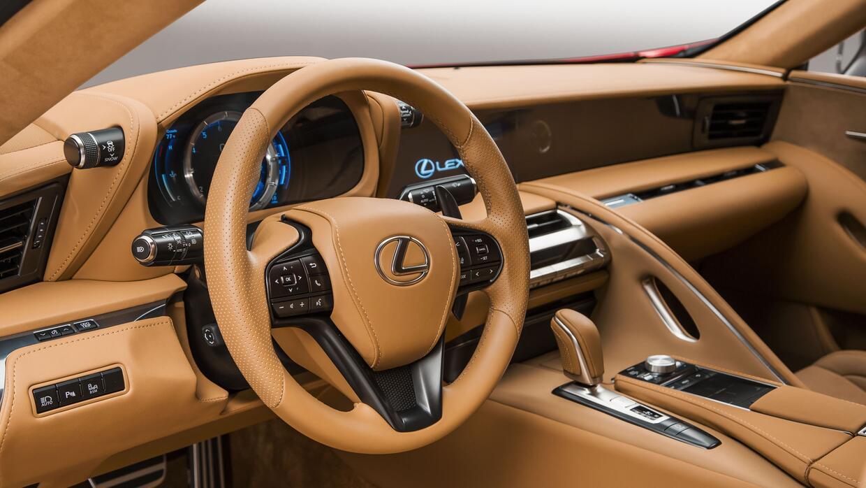 Tablero de instrumentos y controles del nuevo Lexus LC 500 2017