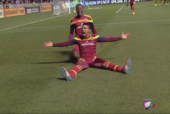 MEDIO: Javier Morales (RSL). Anotó un golazo de tiro libre y tuvo...