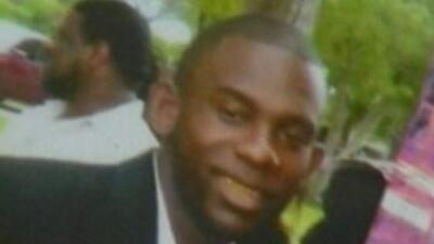 La policía le disparó a Travis McNeil, de 28 años, cuando hubo una confr...