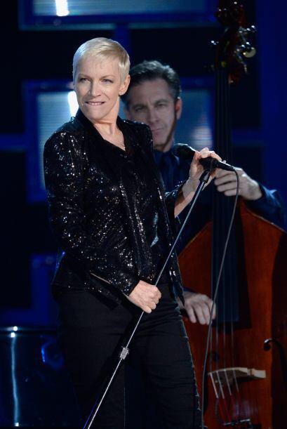 La magnífica Annie Lennox tomó el escenario con la banda Hoizer.