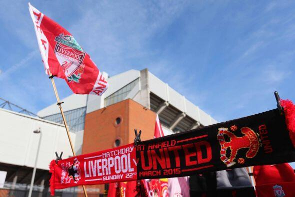 Las calles de Liverpool, particularmente los alrededores del mítico esta...