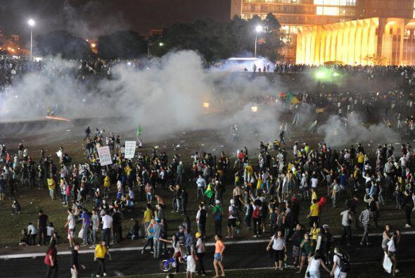 Otro de los motivos que ha llevado a millones de brasileños a salir a la...