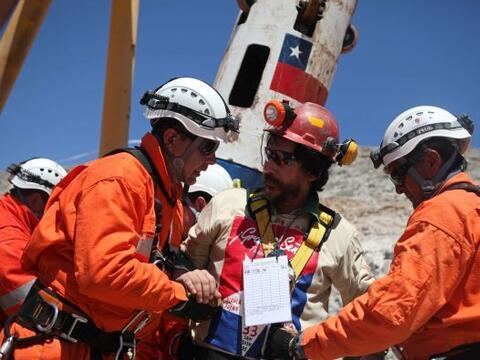 Víctor Segovia, el decimoquinto minero rescatado se ha encargado...