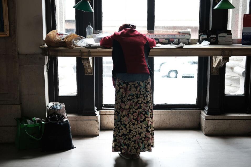 En la ciudad de Nueva York, el número de adultos sin hogar en albergues...