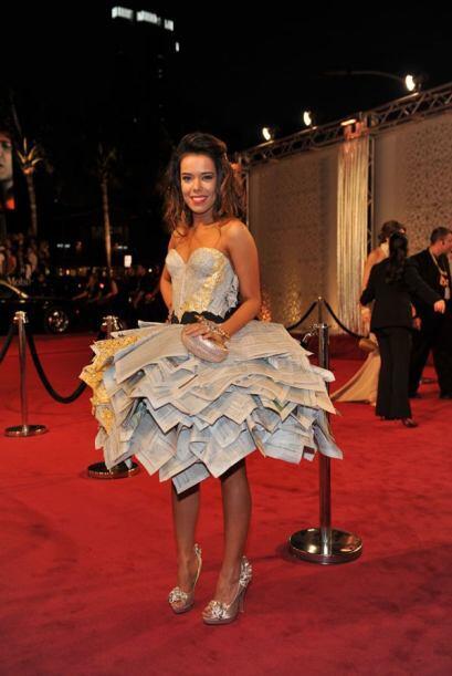Para muestra que tal el vestido que eligió para la entrega de Premio lo...