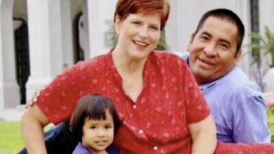 Hija adoptiva de dos estadounidenses está en peligro de deportación