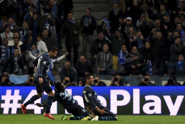 En otro escenario el Porto sacó una goleada como local para clasificarse...