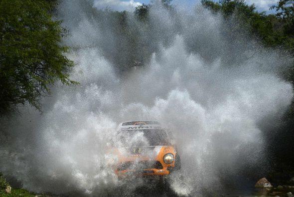 El español Carlos Sainz (SMG) quedó quinto a 6:31 del ganador, un sitio...