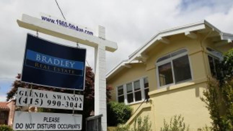 Los precios de las viviendas en marzo se ubicaron además 3.6% por debajo...