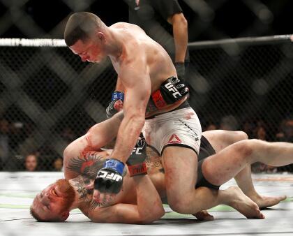 <b>Conor McGregor: </b>en 2016 el irlandés enfrentó a Nate Díaz quien lo humilló llevándolo a la lona y obligándolo a pedir clemencia. Con una llave de sumisión, el californiano de origen mexicano acabó con su oponente después de una sangrienta pelea.