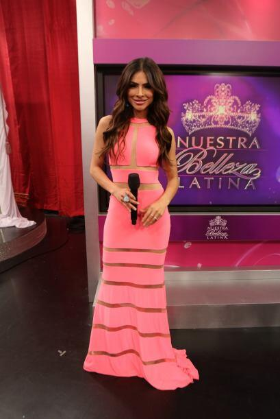 Alejandra Espinoza como siempre muy bella, trató de motivar a cada una d...