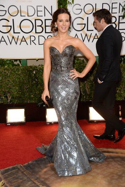 La pequeña cintura de Kate Beckinsale se pudo observar en este hermoso v...
