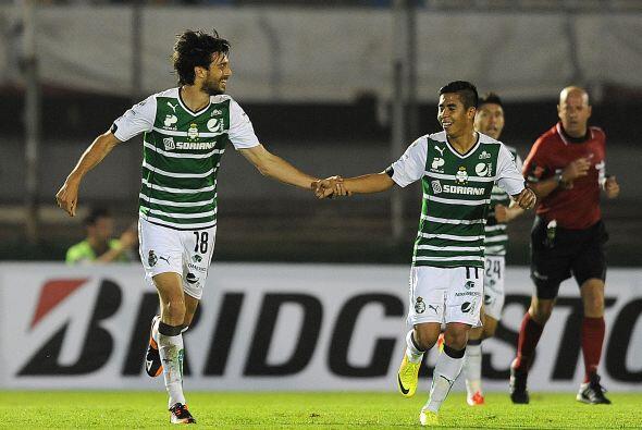 Santos se ponía en ventaja al minuto 54 sorprendiendo al conjunto...