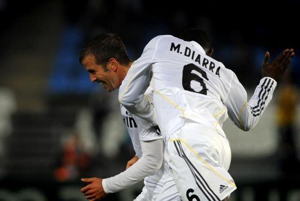 Rafael van der Vaart logró el gol para el 2-1 final, con el que el Real...
