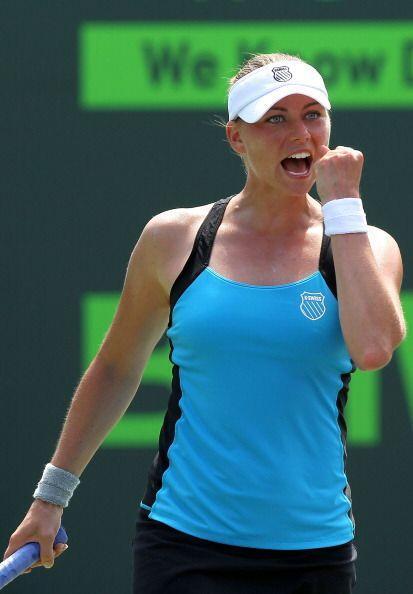 A lo largo de su carrera ha ganado 12 títulos de la WTA. En 2006 ganó el...