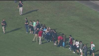 Maestros y trabajadores escolares de Texas son entrenados para evitar más tiroteos y detectar amenazas a tiempo