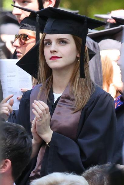 ¡Emma Watson ya salió de la escuela! Vota aquí por los nominados a Premi...