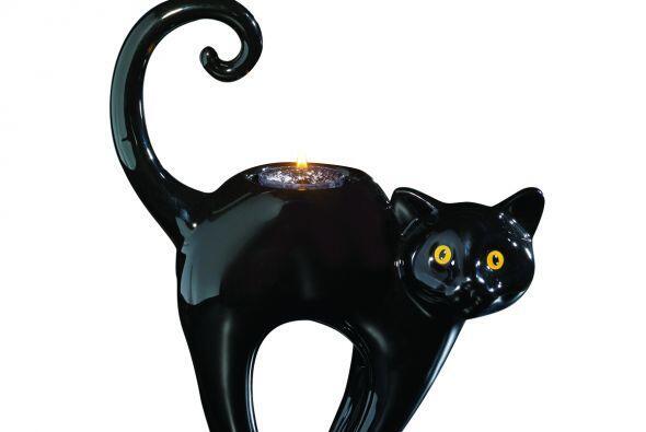 ¡Checa esta divertida vela de gato negro! Más de uno recibirá un buen su...