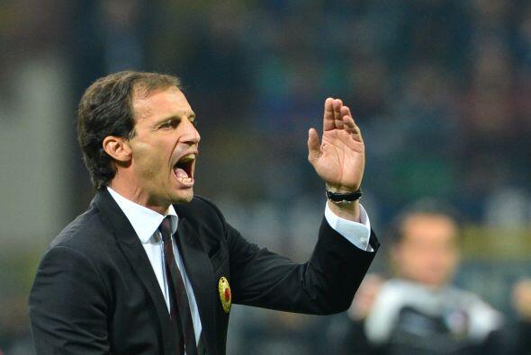 Massimiliano Allegri le pedía mayor juego ofensivo a sus dirigidos.